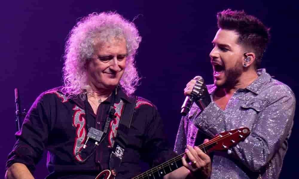 Queen en concierto bajo una lluvia torrencial